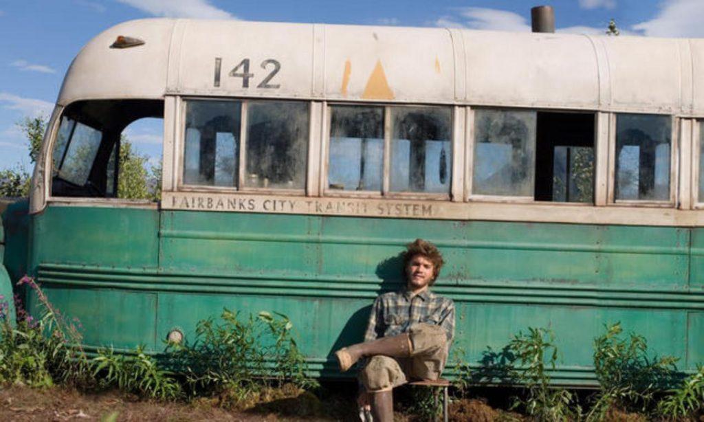 Özgürlük Yolu - Kirlilik, kalabalık ve betonla dolu bir şehir hayatından temiz hava ve huzur dolu vahşi hayata geçiş yapan Christopher McCandless'ın hikayesini anlatan bu film, son 10 yılın en iyi filmleri arasında gösteriliyor.