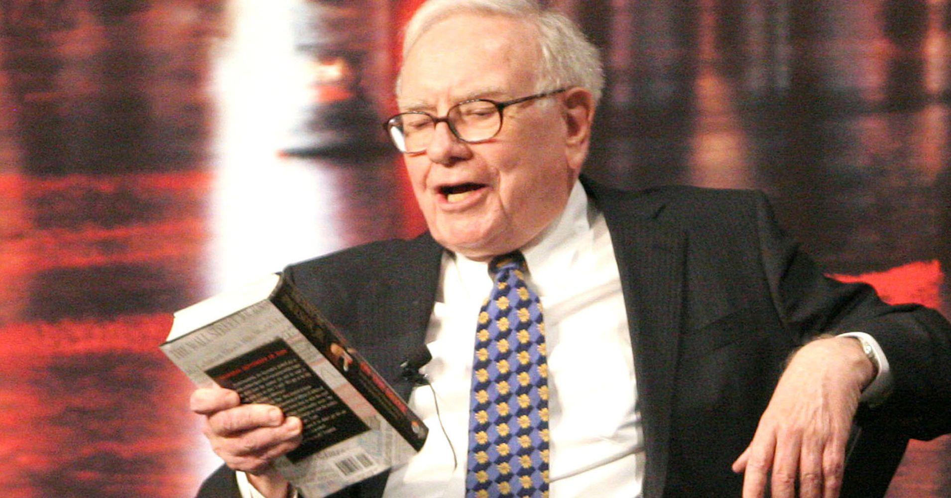Kitap okumak yıllardır Warren Buffett'in alışkanlığı olmuştur.