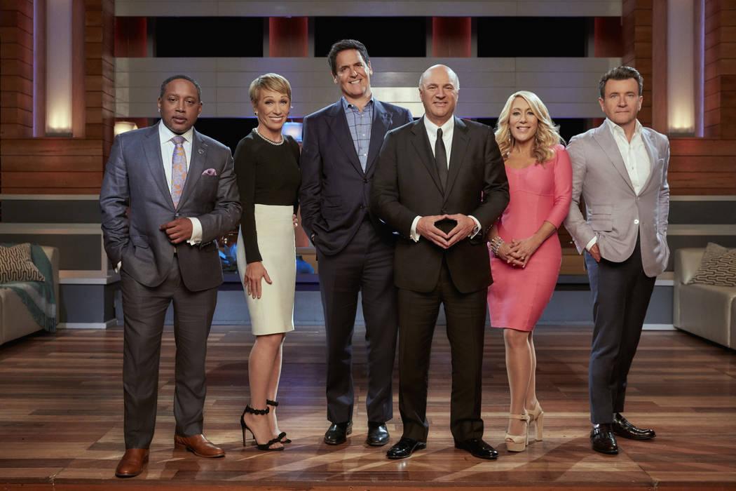 ABC's Shark Tank,yani Köpekbalıkları programı Amerika'nın sunabileceği en iyi ürünleri ve işletmeleri arayan bir Tv programıdır.