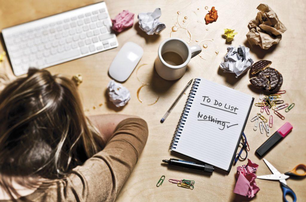 Teknolojinin gelişmesi ile birlikte iyice yaygınlaşan procrastination, her cinsiyet ve her yaştan bireylerde görülebilir.