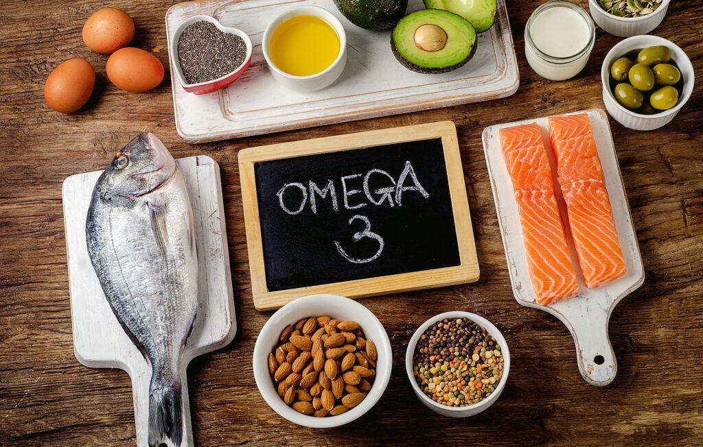 Omega-3 seviyesi düşük olan kişilerde unutkanlık, ruh hali dalgalanması, depresyon ve yorgunluk daha fazla görülür.