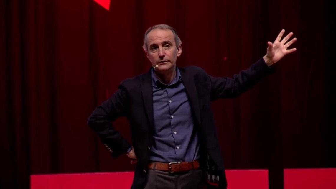 Emin Çapa - TEDx Konuşması - Emin Çapa 1967 yılında İzmit'te dünyaya gelmiştir.
