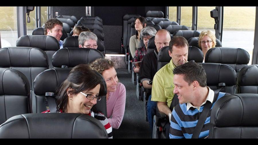 Seyahat etmek yeni insanlarla tanışmak için mükemmel bir fırsattır.