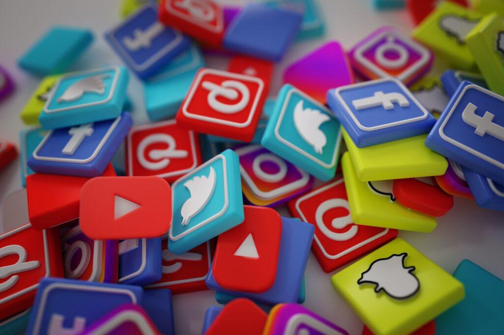 Sosyal medyada yeni müşteriler nasıl bulunur? – Sektörünüzün liderlerinin adlarını henüz bilmiyorsanız, öğrenmeyi önceliğiniz haline getirin.