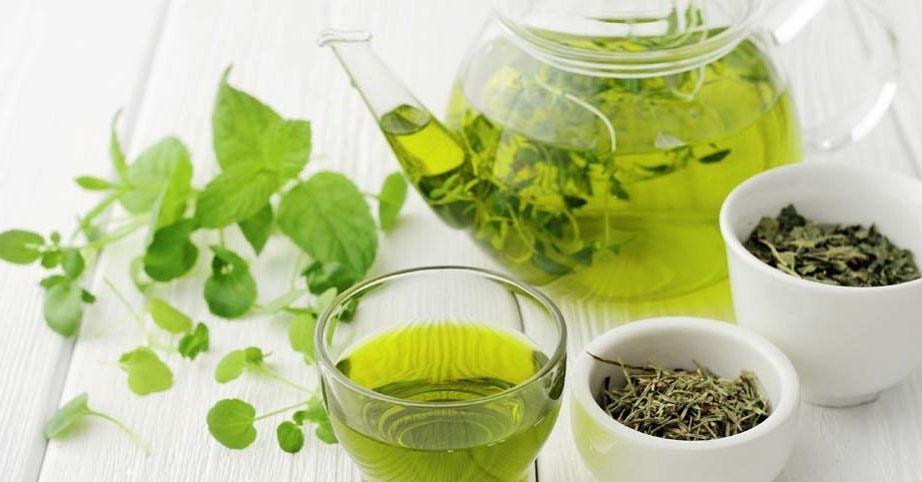 Yapılan araştırmalarda görülüyor ki; yeşil çay, kötü kolesterol seviyesini düşürmektedir.