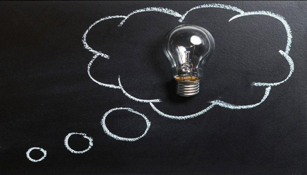 Düşüncelerimiz hayatımızı etkiler ve bizi şu an olduğumuz gibi yapar.