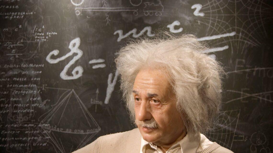 Aslında, birçok insan Albert Einstein'ın hiçbir şeyde başarılı olamayacağına inanıyordu.