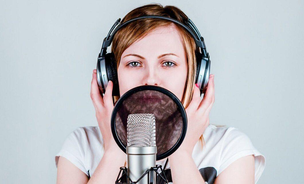 Kamuya açık konuşmada sesimiz kişiliğimizin büyük bir parçasıdır.
