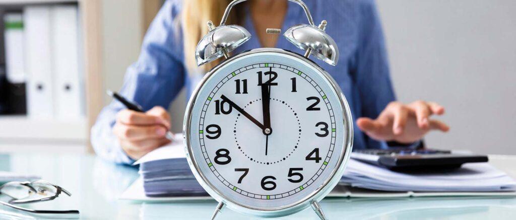 İster iş için dükkan açın, ister şirket masanıza gidiyor olun, dakikliği korumak işin büyümesi için kritik öneme sahiptir.