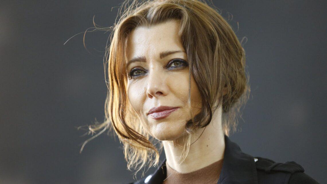 Elif Şafak - Türk bir anne-babanın kızı olarak Fransa'nın Strasburg kentinde dünyaya gelen ünlü yazar, sadece ülkemizde değil aynı zamanda dünya çapında da tanınmaktadır.