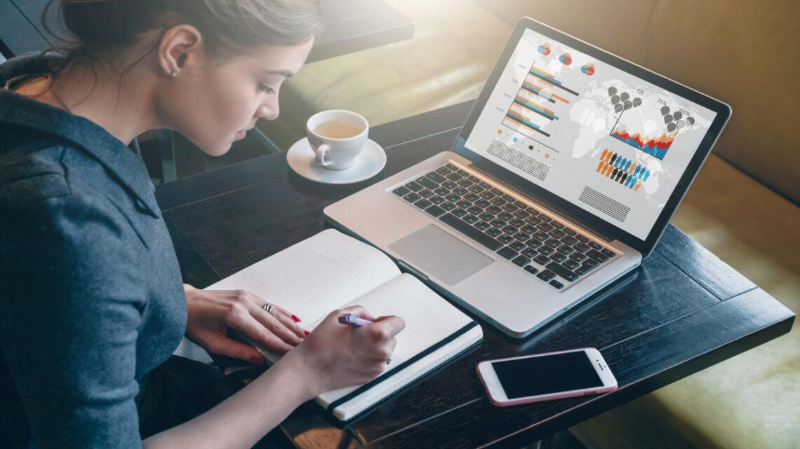 Çevrimiçi Eğitim - Babson Survey Research Group tarafından yapılan en son ankete göre, Amerika Birleşik Devletleri'ndeki yüksek öğrenim öğrencilerinin yüzde 30'undan fazlası en az bir uzaktan kurs alıyor.