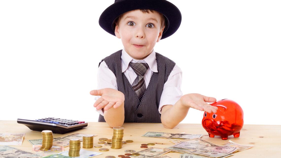 Ebeveynler, çocuklarına her konuda olduğu gibi çocuklarda para yönetimi konusunda rehberlik etmekle ve sorumluluk kazandırmakla yükümlüdürler.