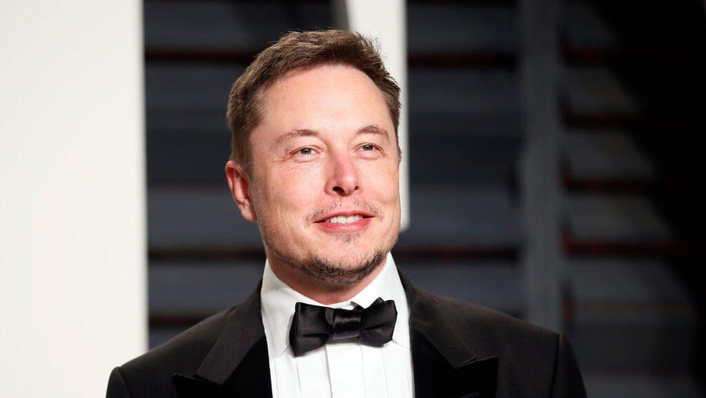 Genç girişimcilerin çoğu tanınmaya ve övgüye açtır. Ancak Elon Musk'ın şeyleri tamamen farklı bir şekilde ele alır.