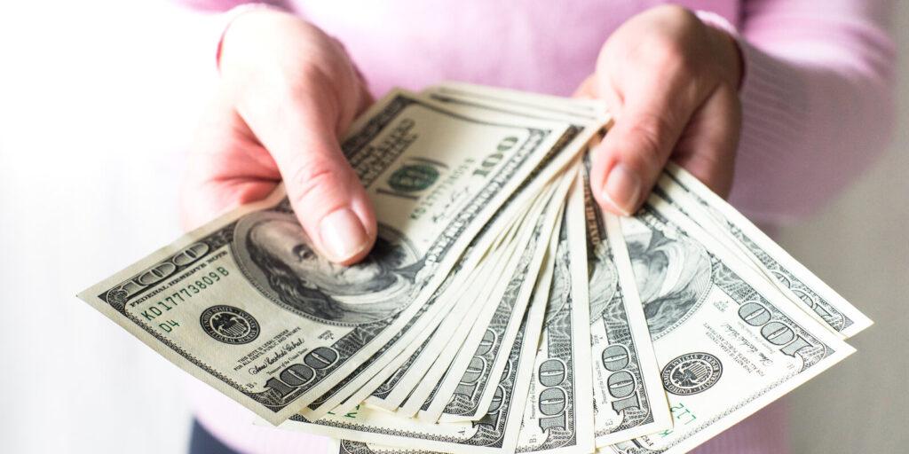Çalışanlarınıza parasal faydalar göstererek onları cezbetmek çok kolaydır.