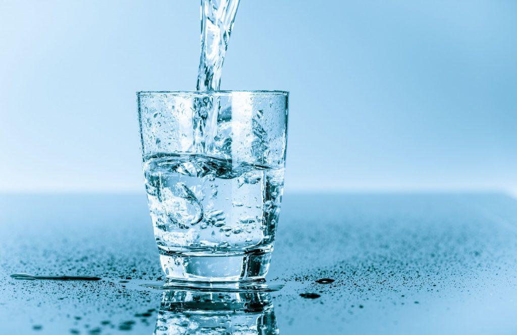 Su, insan vücudunun ihtiyaç duyduğu temel yaşamsal sıvıdır. Metabolizmayı çalıştıran en güzel ve önemli içecektir.