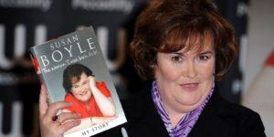 """Susan Boyle'nin ilk albümü """"I Dreamed a Dream"""" bir noktada İngiltere'nin en çok satan albümü oldu."""