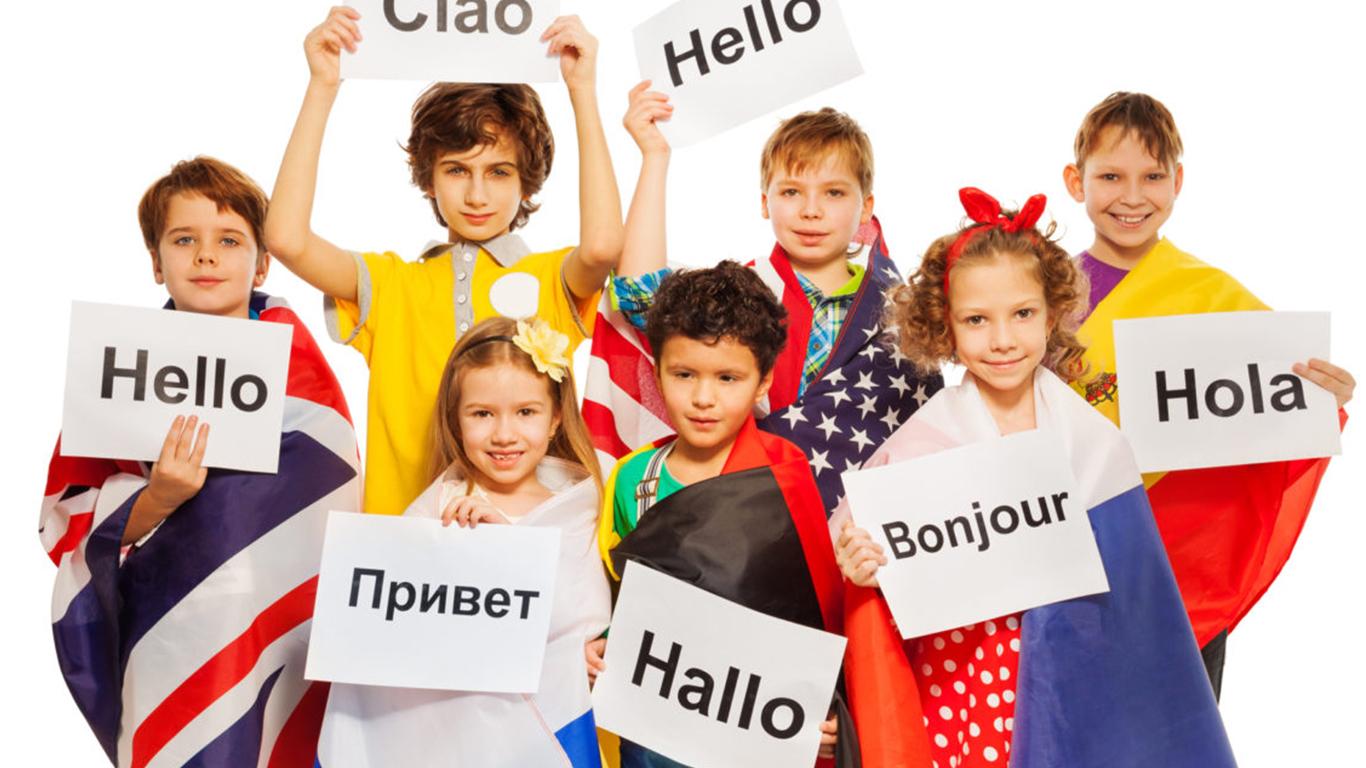 Yabancı dil öğrenmek sizin, yabancı kişiler ile tanışıp, geniş bir network kurmanıza sebep olabilir.