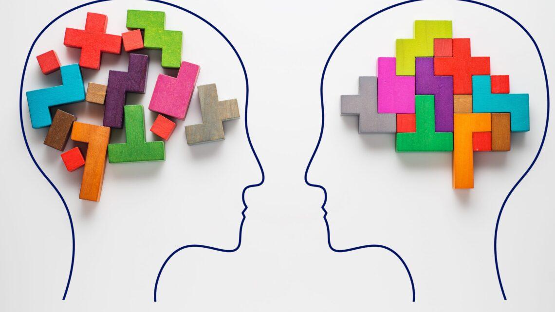 Kısaca iletişim, anlama, anlatma, dinleme ve ikna etme sürecidir.