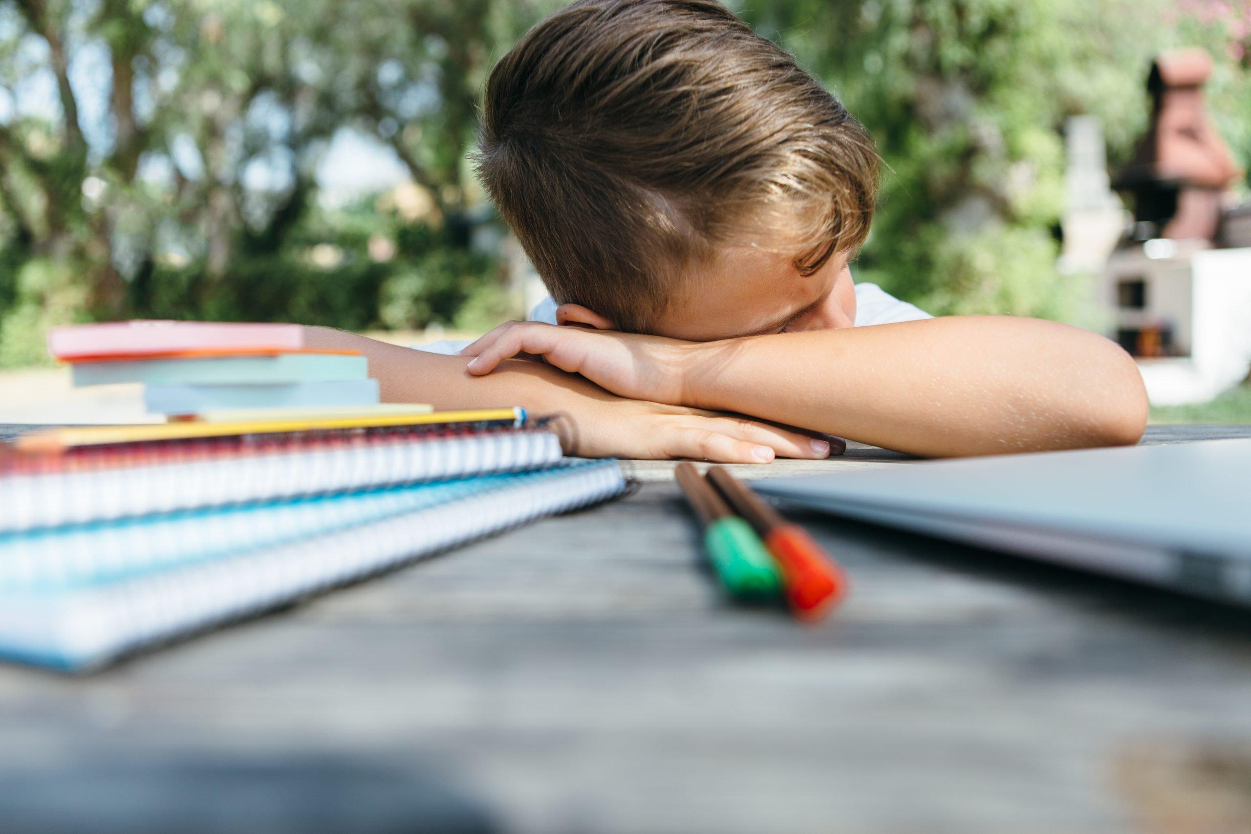 Çocuğunuz stresli ise, çalışmayı zor bulabilir.
