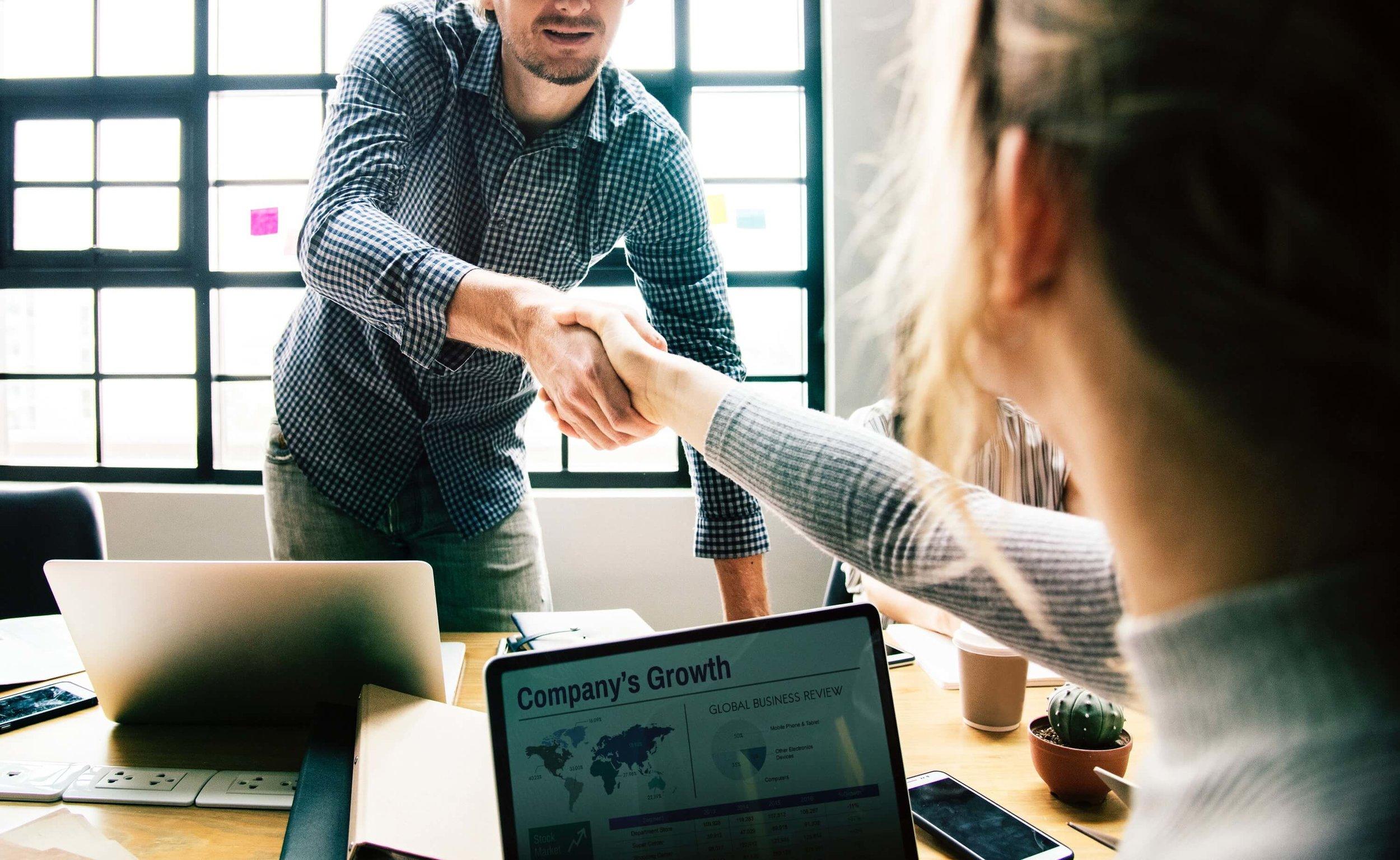 Ünlü dijital strateji yöneticileri yaptıkları açıklamalarda, aklı başında bir vizyonla dolaşmanız gerektiğinden bahsediyorlar.