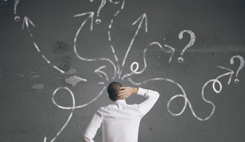 Kapana kısılmış hissettiğiniz ve öfke, üzüntü ve gurur nedeniyle döküntü kararları verme eğiliminde olduğunuz bazı durumlar olabilir.