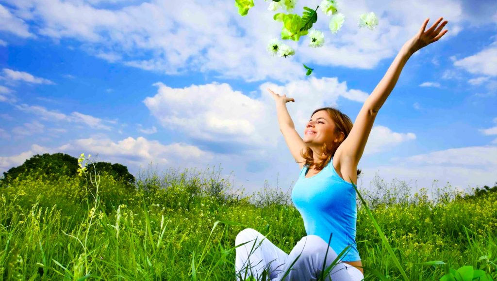 Sağlıklı bir yaşam tarzı, sadece sağlıklı bir diyet ve aktivite seviyesini korumanın ötesindedir. Aynı zamanda stresi, uykuyu ve hatta her gün öğrendiğimiz bilgiyi yönetmeyi de içerir.