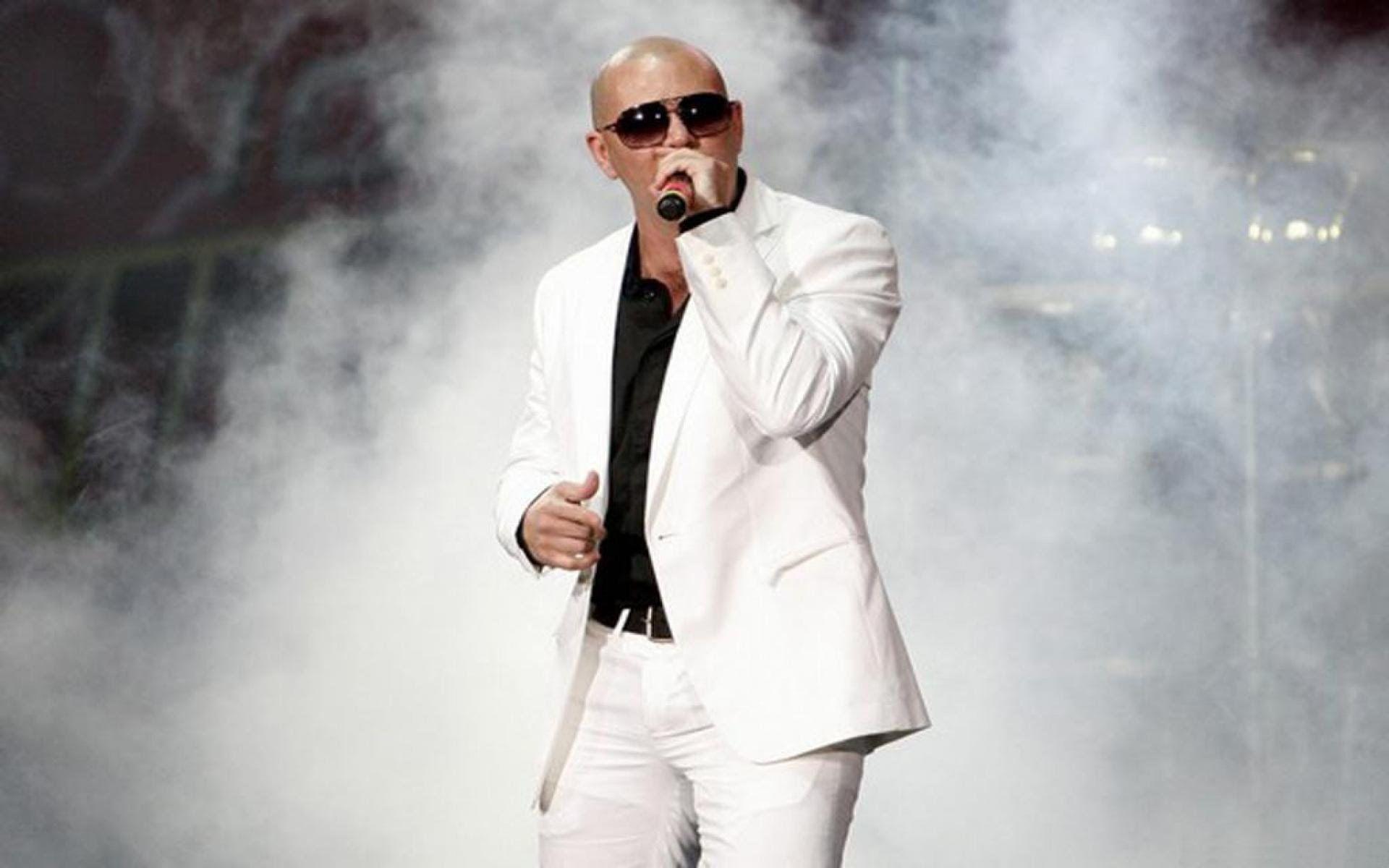 Pitbull, yaşamış olduğu tüm bu zorluklarla birlikte artık başarılarını, girişimciliklerini de insanlara anlatmaktadır.