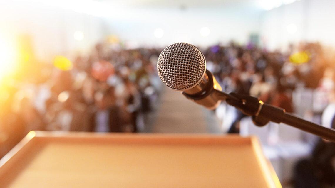 Hedefe ve motivasyonel bir konuşmacı olma hayaline sahip olsanız bile, bu, başarmanın kolay olduğu anlamına gelmez.