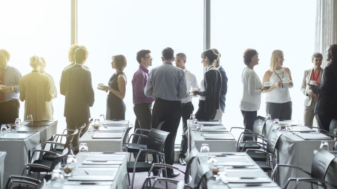 Olabildiğince hızlı bir şekilde çok sayıda kişiyle bilgi paylaşmayı amaçlayan bir toplantıya (fiziksel veya sanal) girdiniz mi?
