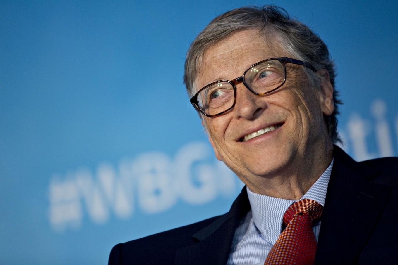 Bill Gates - İnsanın hayal gücünü arttıran en önemli araçlardan biri de kitaplardır.