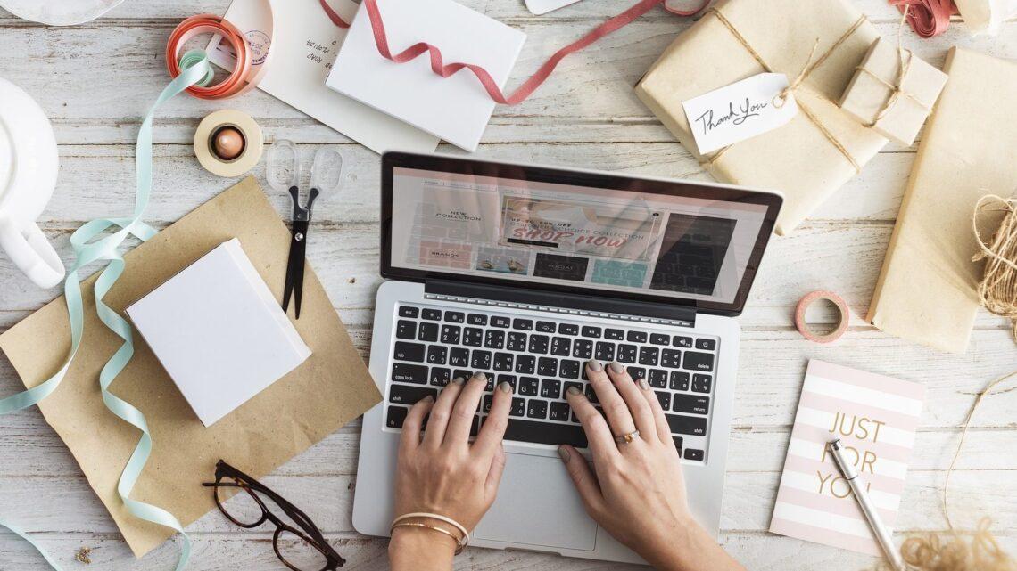Doğrudan Satışın Avantajları - Çevrimiçi pazarlamanın yanı sıra, işletmenizi daha geleneksel yollarla kolayca pazarlayabilirsiniz.