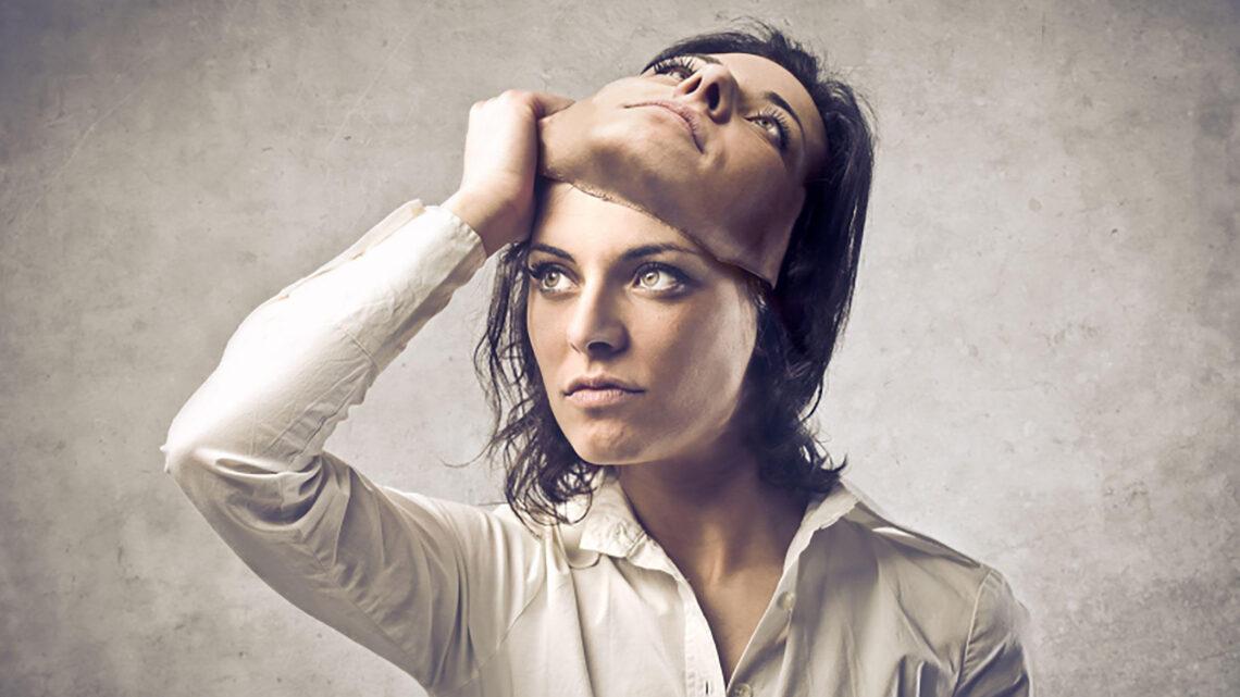 Avusturyalı psikanalist Sigmund Freud, kişiliğin büyük ölçüde taşa yerleştirildiğini ileri sürmüştür.