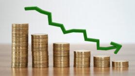 Yüksek enflasyon diğer bir deyişle, enflasyon yukarı yönde seyir ettiği zaman mal ya da hizmeti satın alma gücü azalmaktadır.