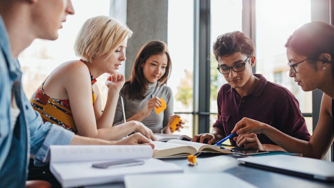 Öğrencilerin, herhangi bir bilgiyi zahmetsizce ne kadar hızlı emebildiklerini ve nasıl hafızasının sınırsız kapasitesi varmış gibi tutabildiklerini hiç merak ettiniz mi?