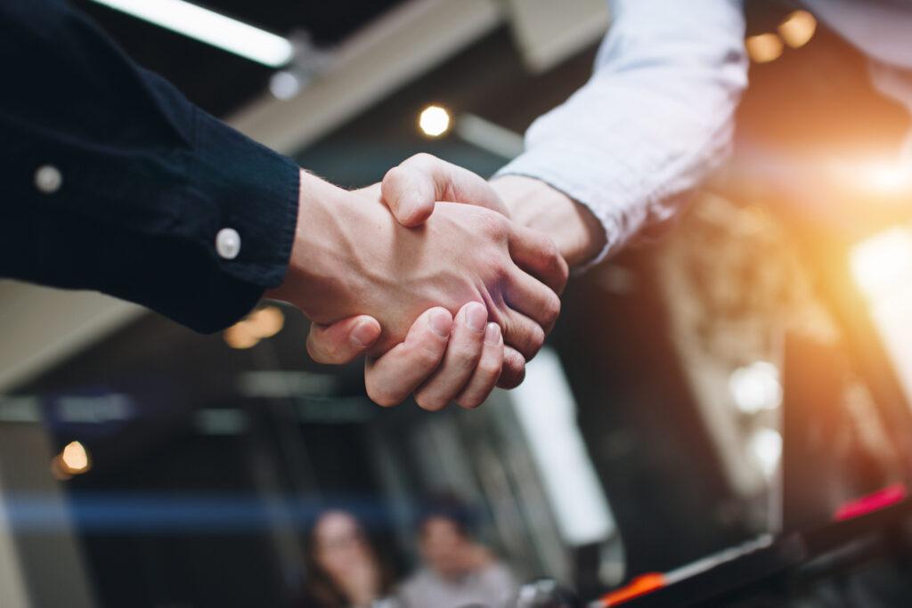 Doğrudan satış söz konusu olduğunda, endüstrimizdeki çoğu insanın doğru şeyi yapmak isteyen iyi insanlar olduğuna inanıyoruz.