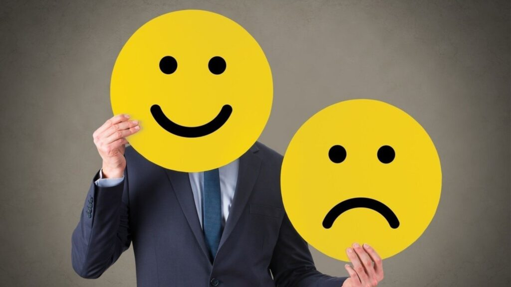 Pozitif insanlarla muhabbet etmeniz olumlu tutum için vazgeçilmezdir.