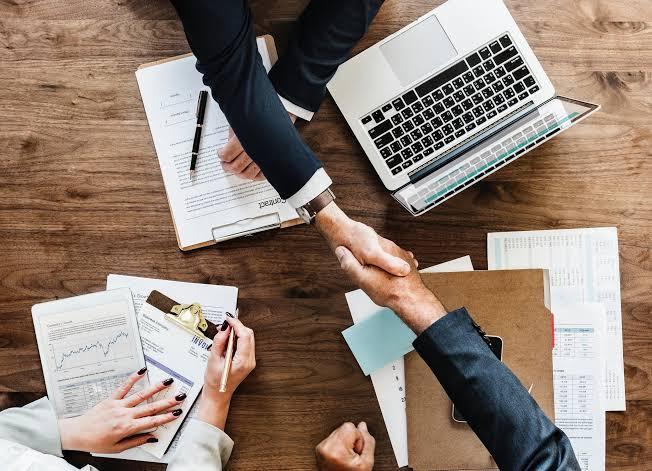 Hemen cevap verelim, tabiki hayır. Network Marketing'in temel aktiviteleri davet, tanıtım(sunum), takip ve eğitimdir.