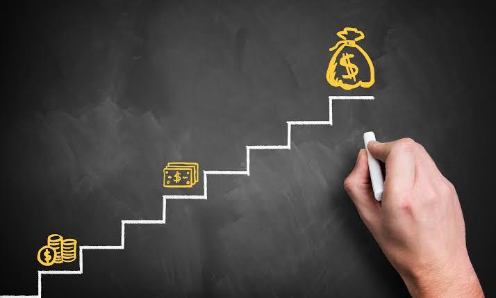 Bir an için bekleyin ve başarıyı nasıl tanımlayacağınızı düşünün, açıklamanız paraya bağlıysa eğer başarı imajınız hakkında yanılıyor olabilirsiniz.