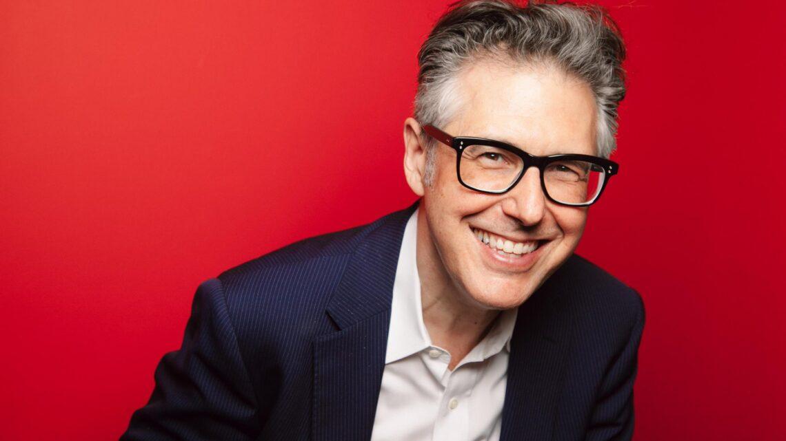 Ira Glass - Başarılı olmak, her bireyin istediği, uğruna zamanını hatta hayatını harcadığı bir olgudur.