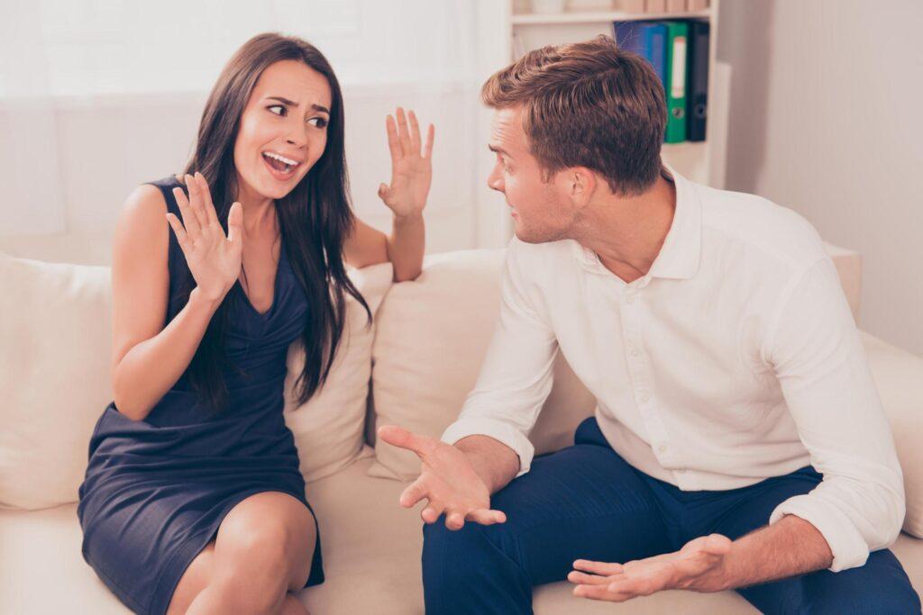 Savunmaya başlamak yerine, konuşmanın duygularını duymaya çalışın.