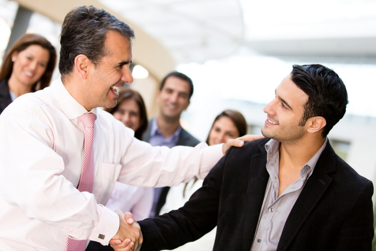 Kendi işinizi kurarak, maaşlı işlerde başkaları için harcadığınız zamanı kendi işiniz için ayıracaksınız.