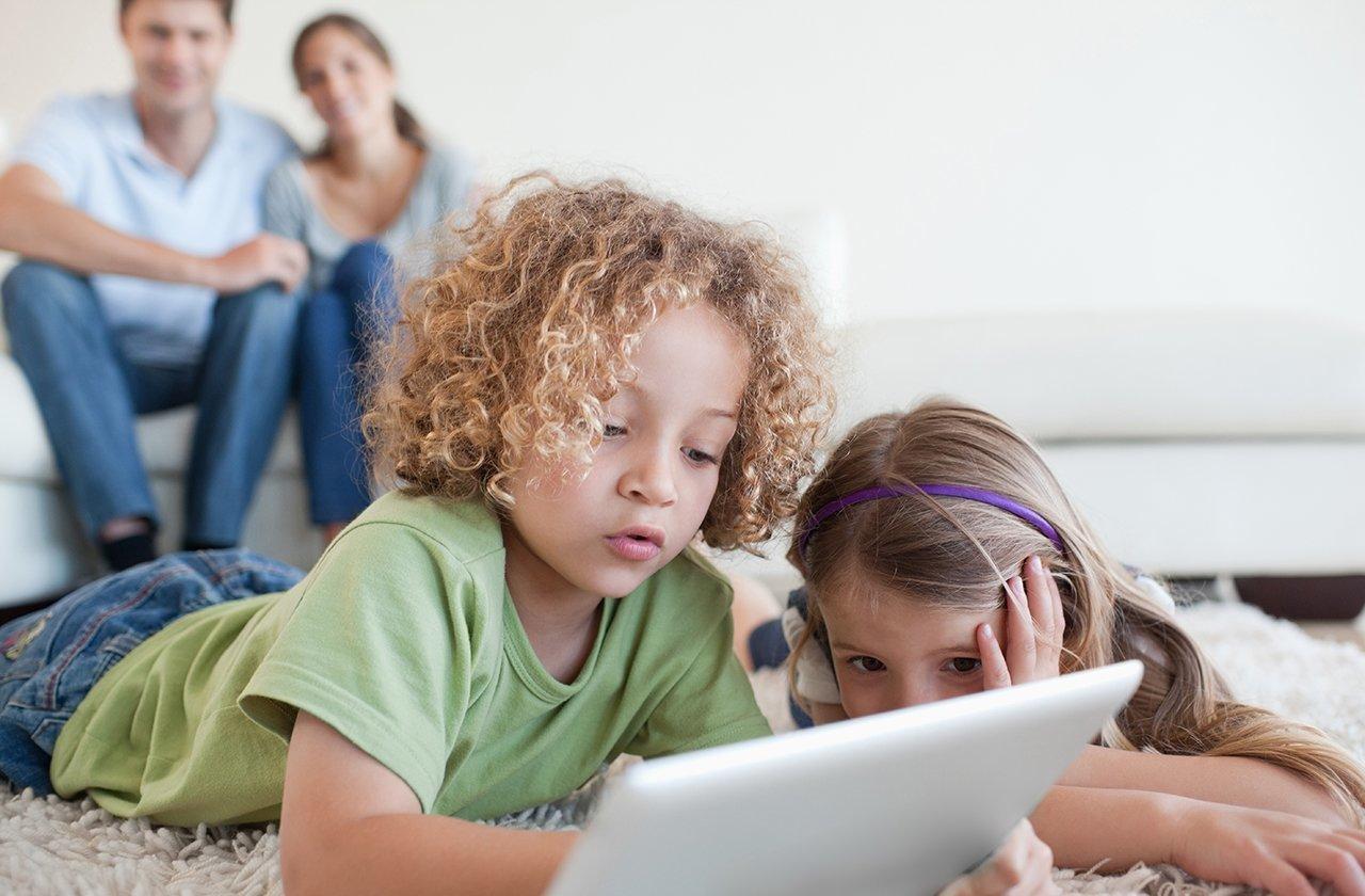 Ailede internet kullanımı konusunda dikkat edilmesi gerekenler 'aile sosyolojisi' bağlamında ele alınacaktır.