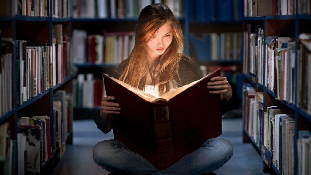 Hayatın her alanında türemiş olan bilgi çeşitleri vardır.