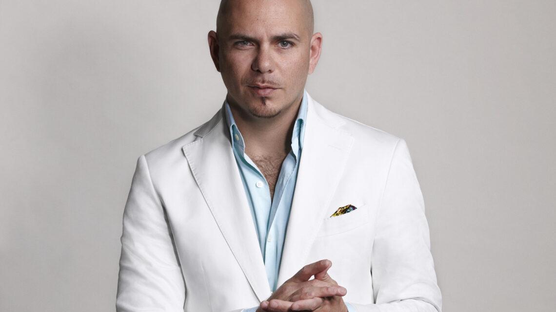 Pitbull kariyerinde ilk defa 2002 senesinde Lil Jon'un Kings of Crunk albümünde konuk olarak yer almıştır.