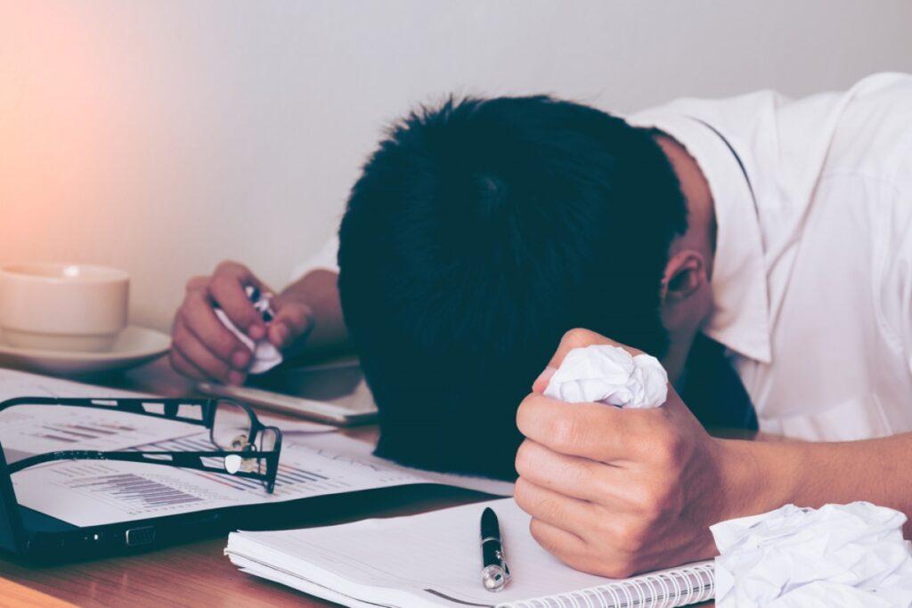 Eklenen stres faktörlerinin yanı sıra, öğrenciler toplumlarının kaybını hissediyorlar.