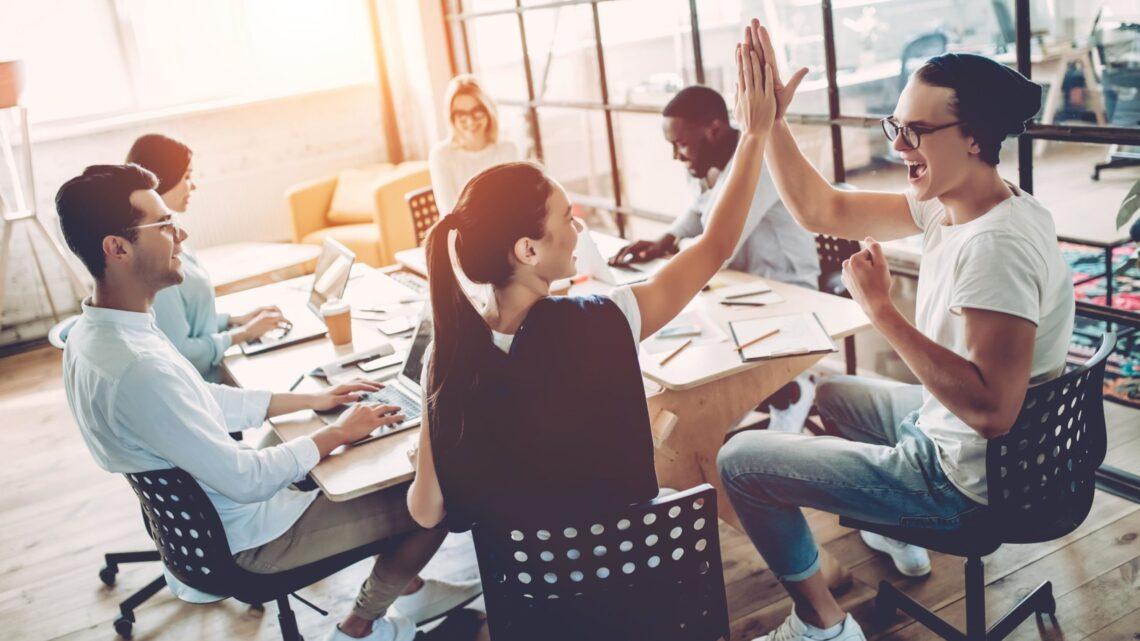 Liderlik ve motivasyon arasındaki ilişkiyi ve bunu ekip üyelerinizde nasıl geliştireceğinizi açıklayalım.
