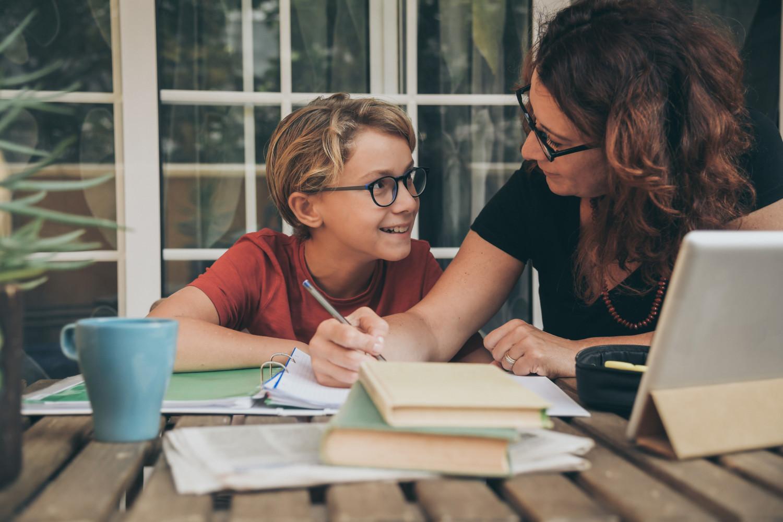 Başarılı insanlar çocuklarını geleceğin mesleklerine hazırlanmak konusunda eğitmektedirler.