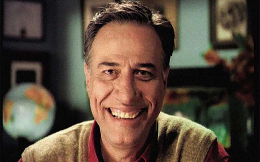 Asıl ismi Ali Kemal Sunal olan, Türk Telvizyon, sinema ve tiyatro oyuncusu ünlü aktör, 10 Kasım 1944 yılında doğmuştur.
