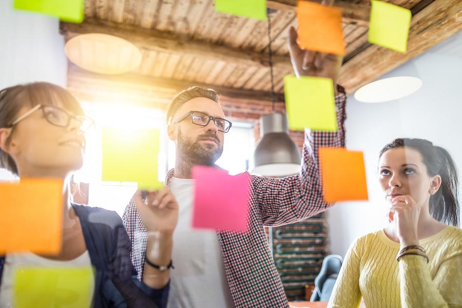 Başarılı marka iletişimi için ilk dikkat etmemiz gereken noktalardan biri, durum analizidir.