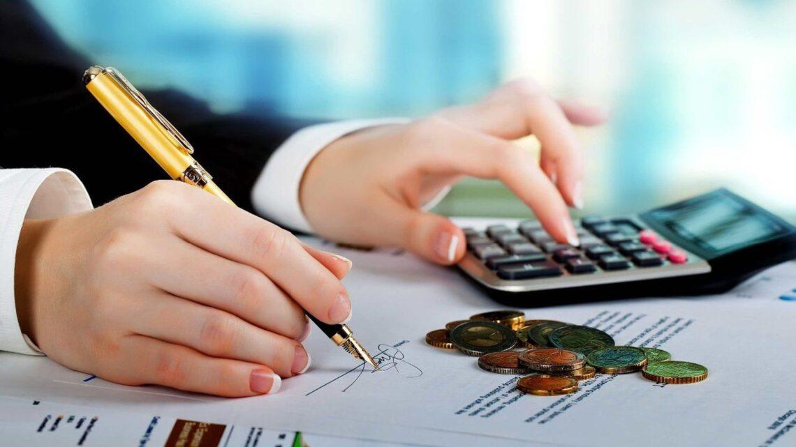 Pazarlama ağı ile dağıtım, ürünleri diğer kişilere pazarlayan bir temsilci ağı aracılığıyla yapılır.